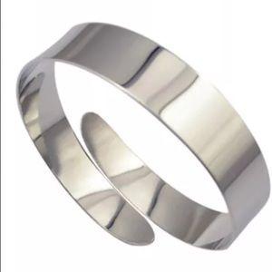 Jewelry - Silver upper arm band cuff bracelet jewelry sexy